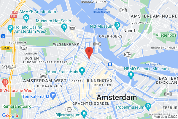 centrally located houseboat Amsterdam