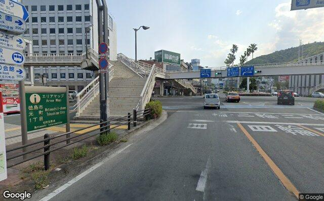 Streetview?size=640x396&location=34.0729201284818%2c134.550036268834&heading=197.657550981432&pitch= 3