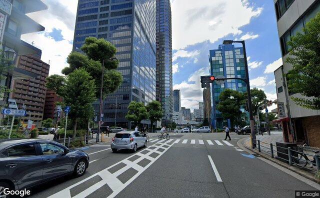Streetview?size=640x396&location=34.6902315573904%2c135.512099155584&heading=259.697103491548&pitch=10