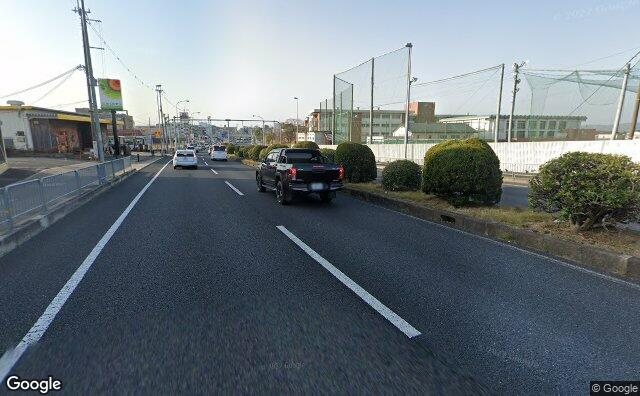 Streetview?size=640x396&location=34.6938189052195%2c135.811614083725&heading=191.023957859885&pitch= 10