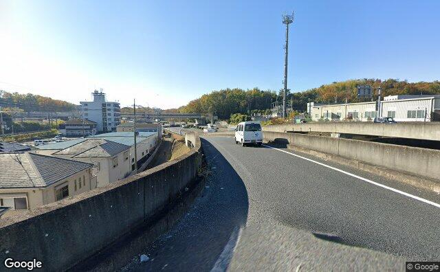 Streetview?size=640x396&location=34.7083317545959%2c135.806574524259&heading=206.309024340748&pitch= 4