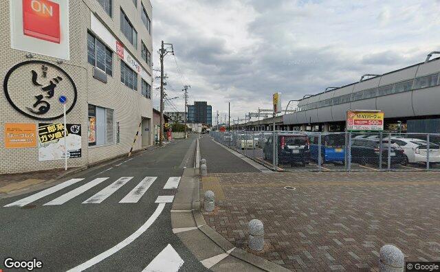 Streetview?size=640x396&location=34.8233297823694%2c137.22651650002&heading=110.668071050876&pitch= 1