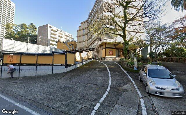 Streetview?size=640x396&location=35.1020990433853%2c139.077585682862&heading=116.24475347284&pitch=5