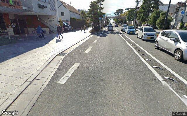 Streetview?size=640x396&location=35.315014593746%2c139.549582936767&heading=197.475463689736&pitch= 19