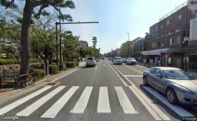 Streetview?size=640x396&location=35.3180821059908%2c139.55148683832&heading=203.769976423022&pitch= 2