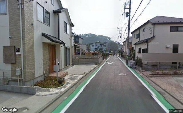 Streetview?size=640x396&location=35.328694163317%2c139.632608233466&heading=125.806203720065&pitch= 2