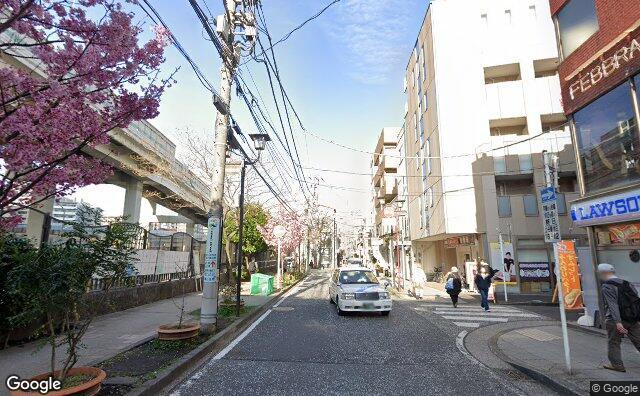 Streetview?size=640x396&location=35.4383930684239%2c139.643526037815&heading=65.389953842021&pitch=10