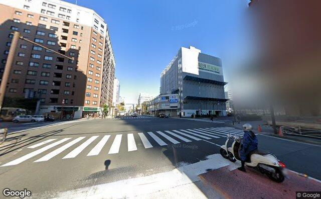 Streetview?size=640x396&location=35.4421092112843%2c139.631651855259&heading=336.888524318871&pitch=8