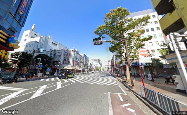 Streetview?size=640x396&location=35.4428030985248%2c139.630850615858&heading=304.121367966536&pitch=13