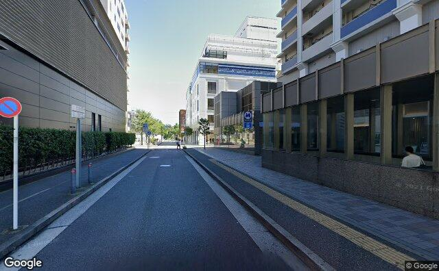 Streetview?size=640x396&location=35.4428497535294%2c139.650265166307&heading=54.1466176087767&pitch=0