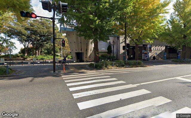 Streetview?size=640x396&location=35.444022206792%2c139.651525825317&heading=64.1822413646825&pitch= 2