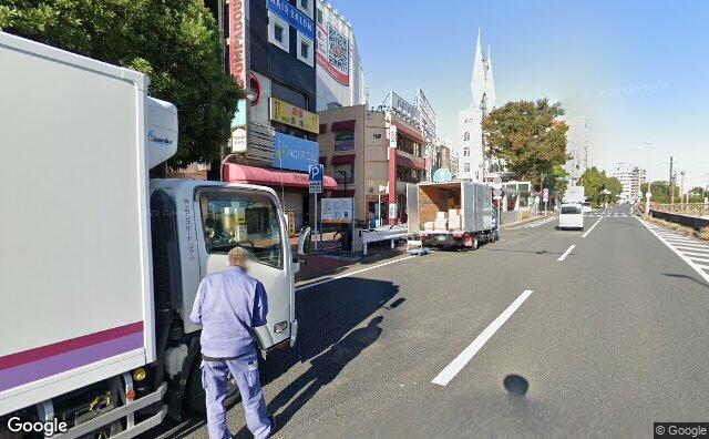 Streetview?size=640x396&location=35.4448813885183%2c139.634436626631&heading=287.100853671001&pitch= 2