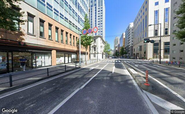 Streetview?size=640x396&location=35.4458535154497%2c139.644316115884&heading=100.345006149515&pitch= 0
