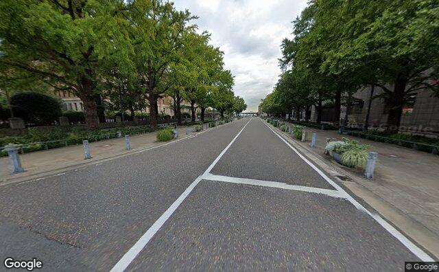 Streetview?size=640x396&location=35.4469232714522%2c139.642765749322&heading=16.894532033086&pitch= 9