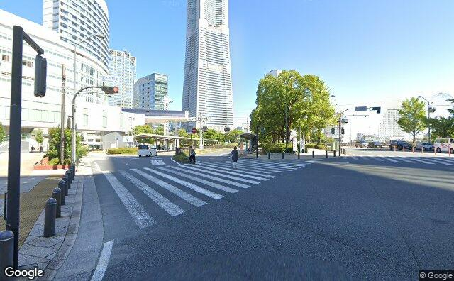Streetview?size=640x396&location=35.4509421736478%2c139.631985277446&heading=358.452611767644&pitch=1