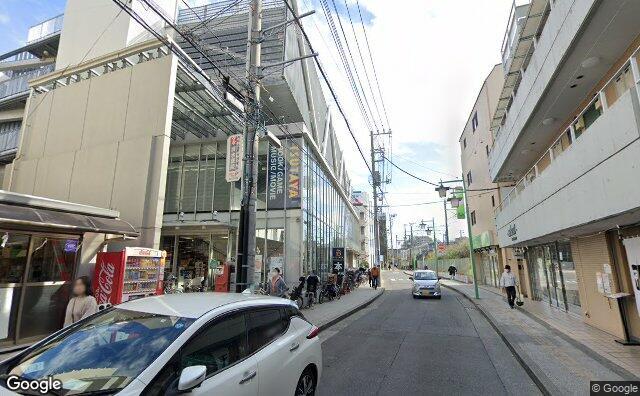 Streetview?size=640x396&location=35.5096690698904%2c139.632365964647&heading=107.157468343999&pitch=11