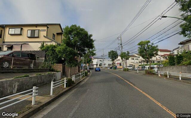 Streetview?size=640x396&location=35.5320899487503%2c139.471922784496&heading=214.512262304922&pitch=6