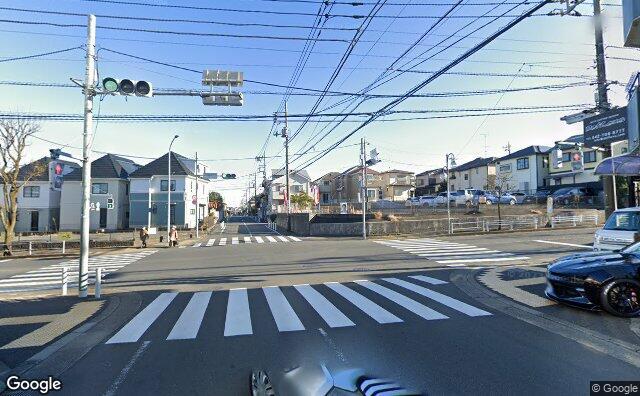 Streetview?size=640x396&location=35.5323267665053%2c139.472000021734&heading=141.429164672898&pitch=2