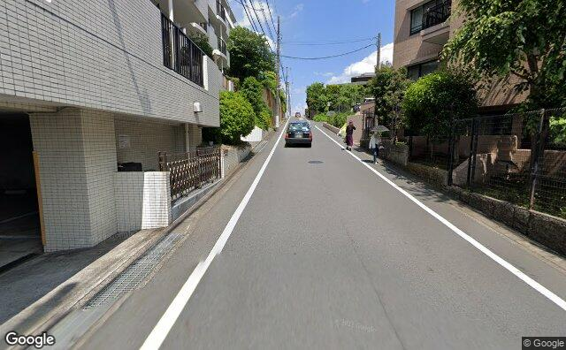 Streetview?size=640x396&location=35.5868367639946%2c139.580311104353&heading=76.9132182616323&pitch= 7