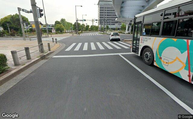 Streetview?size=640x396&location=35.6170158345847%2c139.778581597456&heading=241.06199592101&pitch= 17