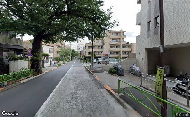 Streetview?size=640x396&location=35.6190005454948%2c139.684914944205&heading=68.7585955644703&pitch= 1