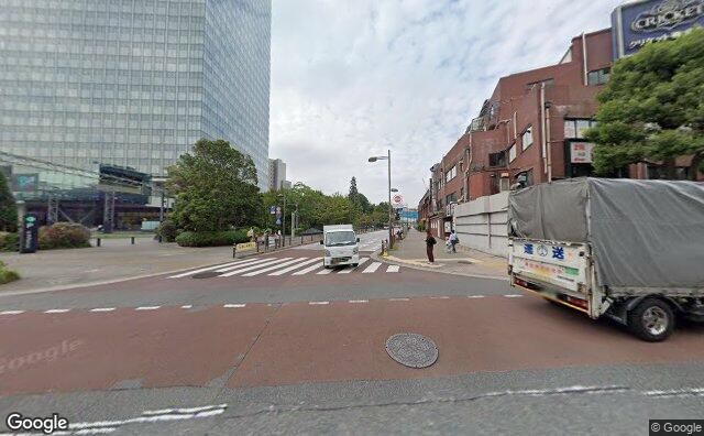 Streetview?size=640x396&location=35.6194111320805%2c139.727886536394&heading=241.668417512104&pitch=2