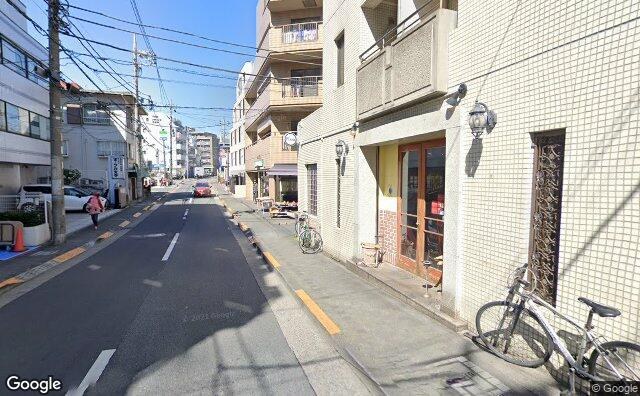 Streetview?size=640x396&location=35.623494254409%2c139.71114700985&heading= 23.8030215169851&pitch= 3
