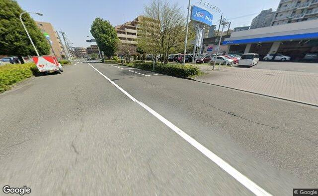 Streetview?size=640x396&location=35.6256720853971%2c139.401477676881&heading=94.0055707544604&pitch= 25