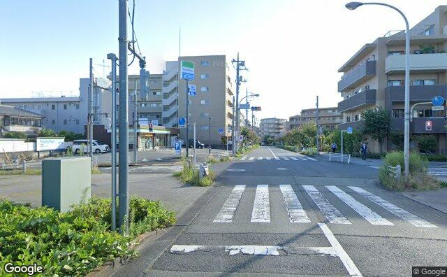 Streetview?size=640x396&location=35.6258103152201%2c139.401723762227&heading=47.9269823809694&pitch= 0