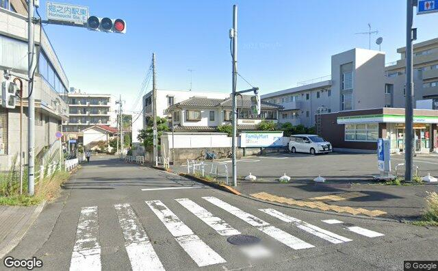 Streetview?size=640x396&location=35.6259110864906%2c139.401947507029&heading=348.295390637206&pitch= 0