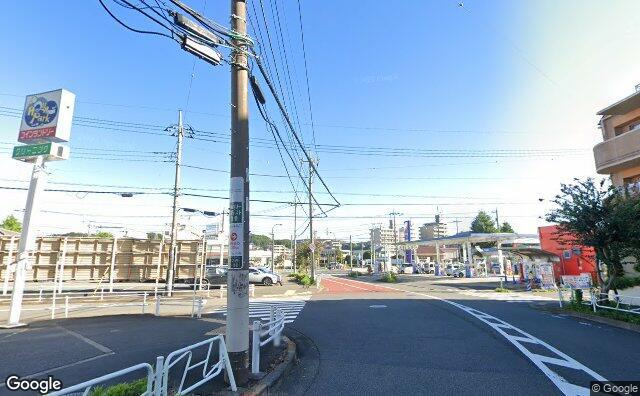 Streetview?size=640x396&location=35.6270263520979%2c139.403598513877&heading=356.807324595233&pitch=10