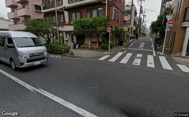 Streetview?size=640x396&location=35.63085023837%2c139.641364597865&heading= 53.0493191217492&pitch= 13
