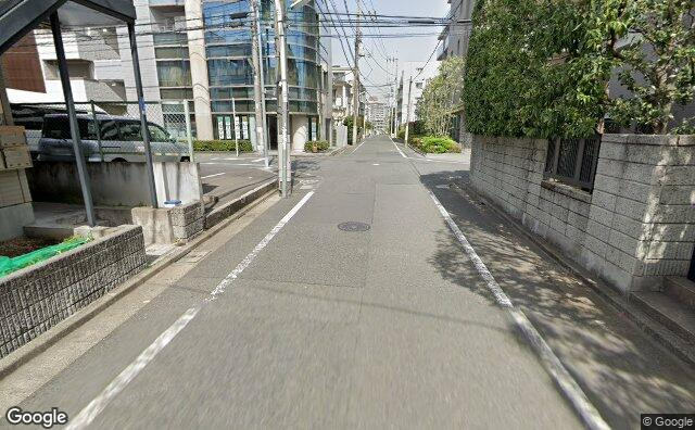 Streetview?size=640x396&location=35.6312731221432%2c139.641079540398&heading= 29.6394216034432&pitch= 13