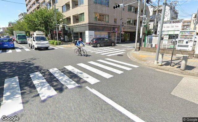Streetview?size=640x396&location=35.631324%2c139.6429268&heading= 66.0167663462322&pitch= 14