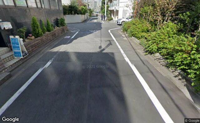 Streetview?size=640x396&location=35.6317209633117%2c139.640845549464&heading= 22.500531532117&pitch= 26
