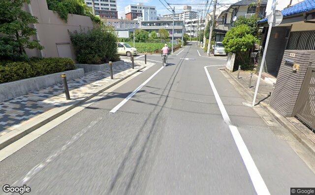 Streetview?size=640x396&location=35.6328869993046%2c139.640192996292&heading= 36.238357528056&pitch= 20