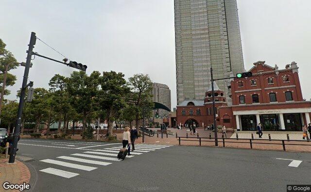 Streetview?size=640x396&location=35.6433009144076%2c139.71236397938&heading=125.23793788958&pitch=11