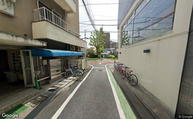 Streetview?size=640x396&location=35.6434219315576%2c139.679695930436&heading=143.179421196709&pitch= 5
