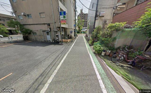 Streetview?size=640x396&location=35.6434990960046%2c139.67963909348&heading=141.618771834047&pitch= 19