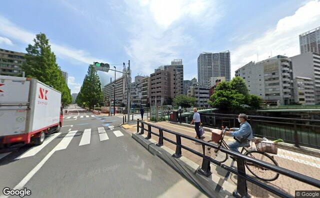 Streetview?size=640x396&location=35.6450266418106%2c139.751139965354&heading=105.048309012806&pitch=2