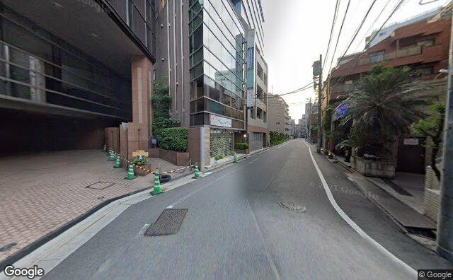 Streetview?size=640x396&location=35.646432674572%2c139.71284120696&heading=57.1371932840473&pitch= 2