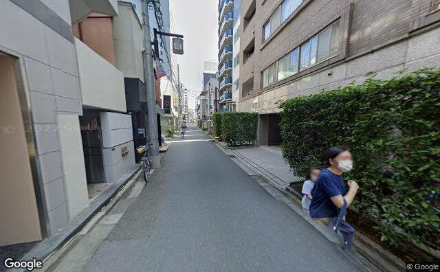 Streetview?size=640x396&location=35.6512201645757%2c139.752557896648&heading=107.809060222529&pitch= 6