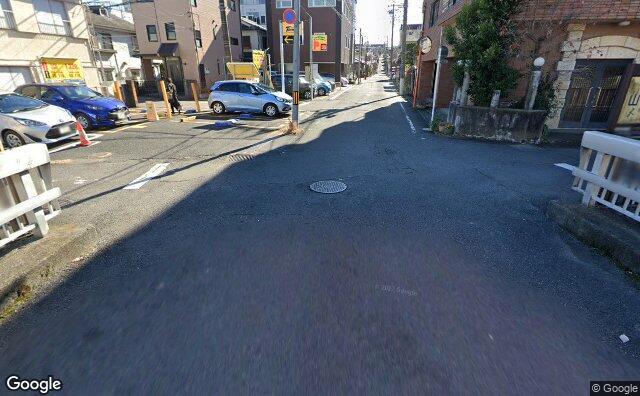 Streetview?size=640x396&location=35.652712%2c139.3387812&heading= 187.995227946748&pitch= 21