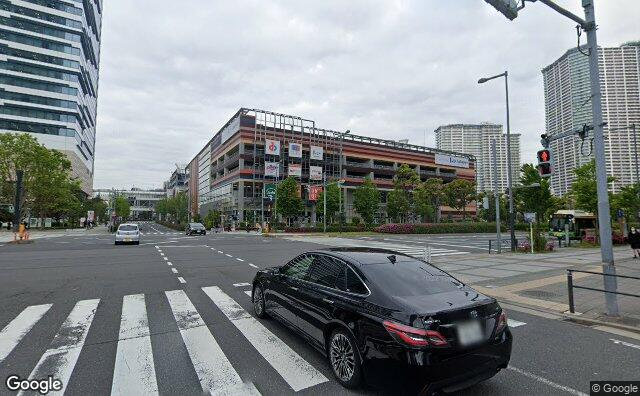 Streetview?size=640x396&location=35.6561771329305%2c139.79536851682&heading= 98.8834037755661&pitch=4