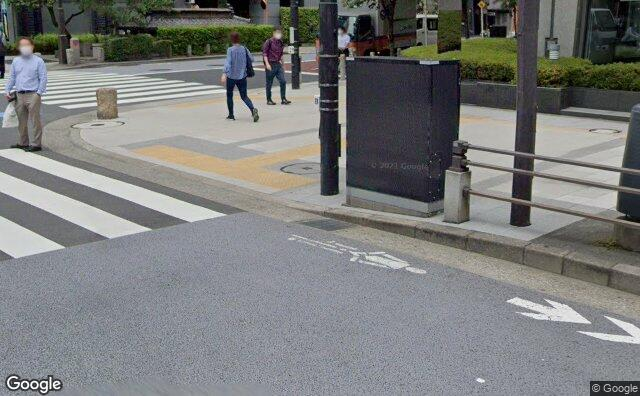 Streetview?size=640x396&location=35.6569640535884%2c139.753112048779&heading= 40.0508636624931&pitch= 13