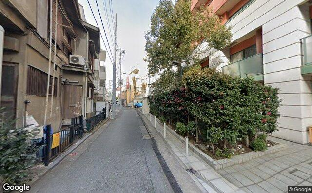 Streetview?size=640x396&location=35.6574362666798%2c139.694012441904&heading=16.5277019418832&pitch=1