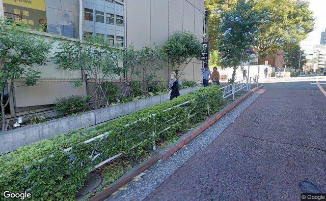 Streetview?size=640x396&location=35.6617848671809%2c139.702563106116&heading=67.9738834994656&pitch= 6
