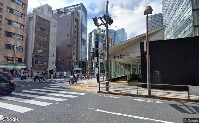 Streetview?size=640x396&location=35.6645192259378%2c139.731184048178&heading=284.647246647716&pitch=4