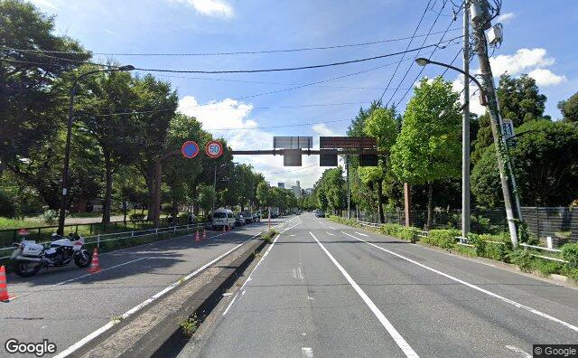 Streetview?size=640x396&location=35.6648288055203%2c139.724679916949&heading=197.74288380667&pitch=5