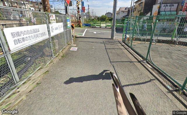 Streetview?size=640x396&location=35.6673673775239%2c139.632338327711&heading=95.6130188511435&pitch= 22